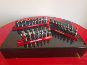 """- Assortiment de douilles 1/2"""" type : combi, comprenant les dimensions de 10 - 19 mm. - Assortiment de douilles 1/2"""" allen, comprenant les diemensions de 5-17 mm. - Assortiment de douilles 1/2"""" type : XZN, comprenant de 5-16 mm."""